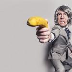 同仁習慣用「威脅口氣」強迫別人,該如何處理?
